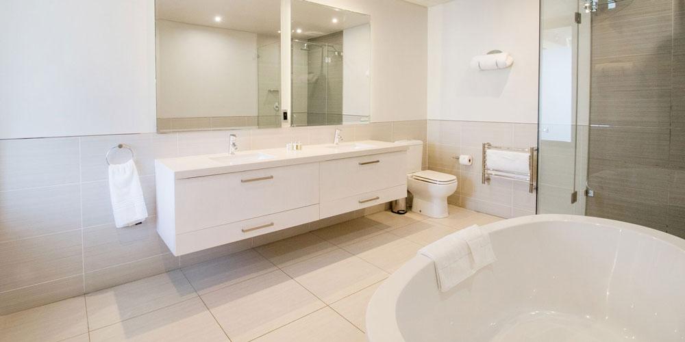 le paradis bathroom