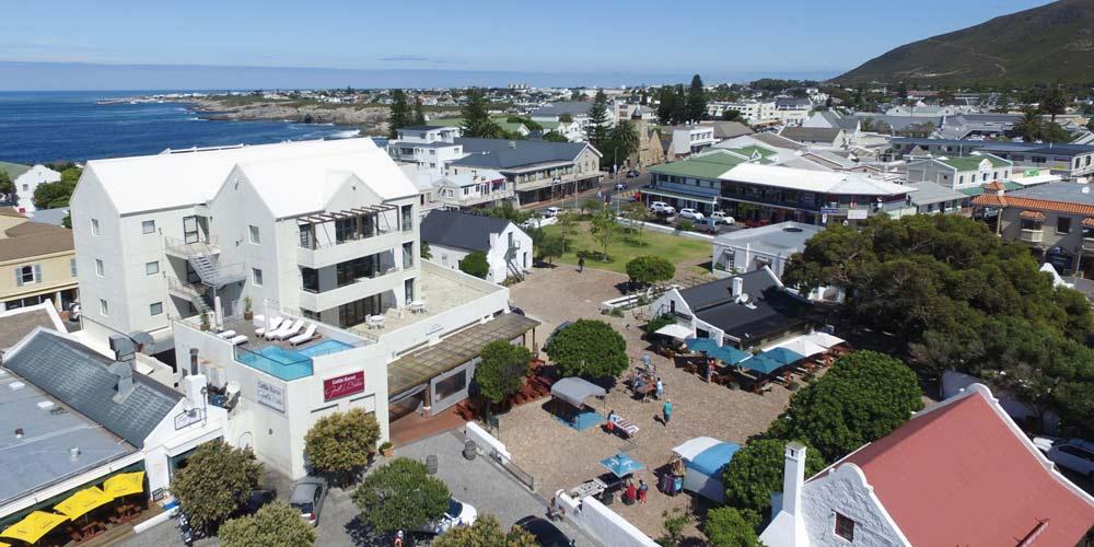 harbour square location
